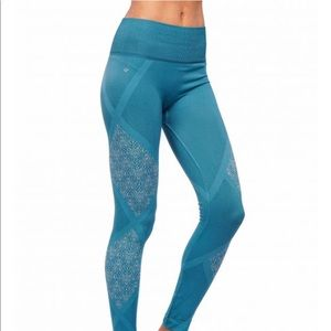 NEW • NUX • Geneva Seamless Leggings Scuba